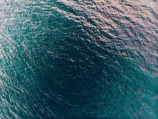 海面、飛行機からの眺め。