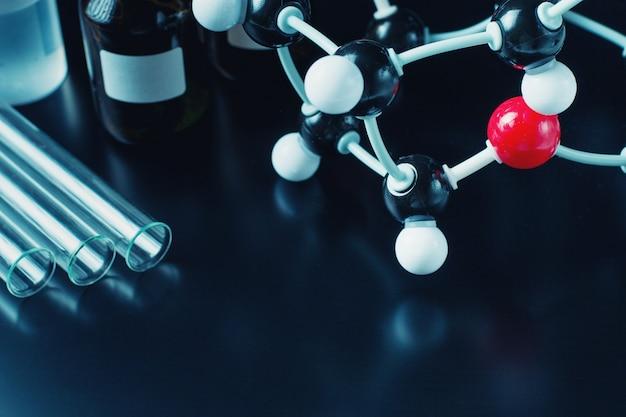 分子式および実験装置