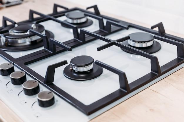 台所のガスコントロールパネルコンロのクローズアップ