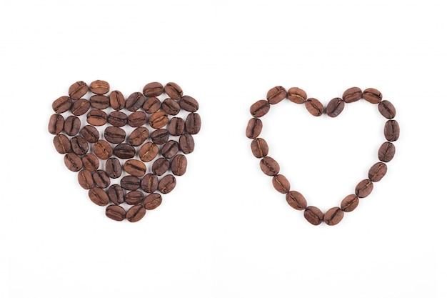 Кофе в зернах в форме сердца