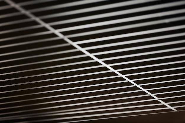 Современная черная металлическая решетка потолка
