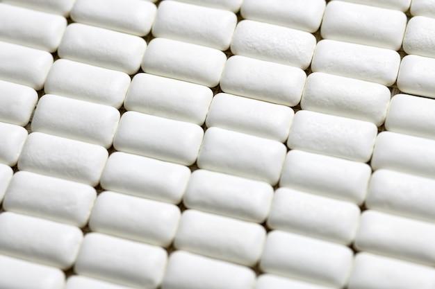 チューインガムパッドがクローズアップ、口腔衛生と歯が虫歯から保護