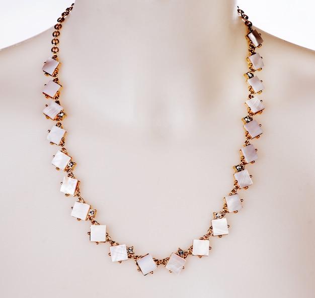 Каменное ожерелье