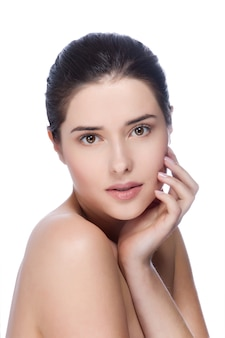健康的な肌を持つ若い美しい女性の肖像画