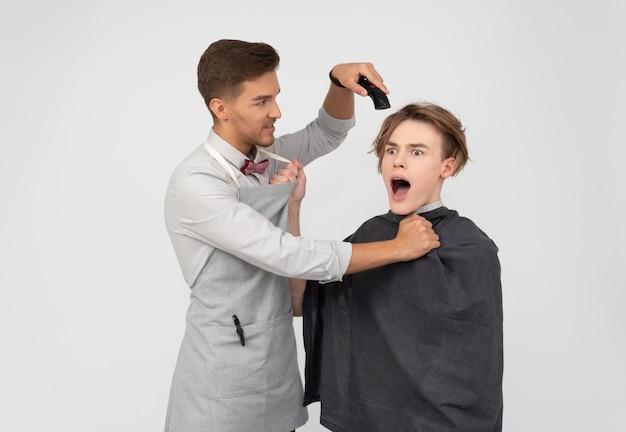 一人で私の髪を残してください!