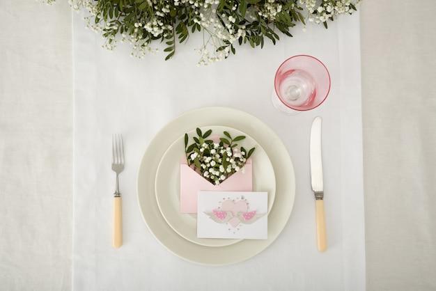 Использование дыхания ребенка в цветочной композиции для свадьбы