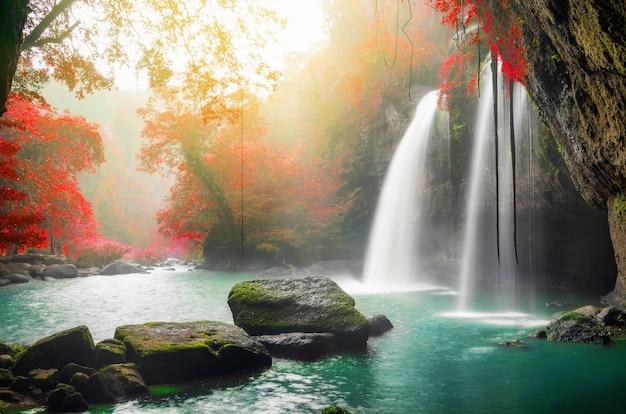 ホオスワット滝