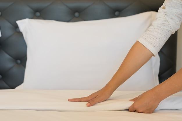 寝室に柔らかいタオル。
