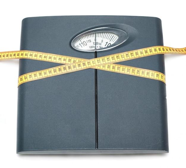 体重計と巻尺