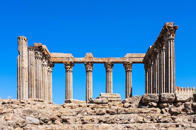 ローマ寺院、エヴォラ