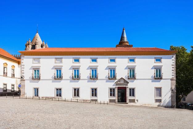 エヴォラ博物館