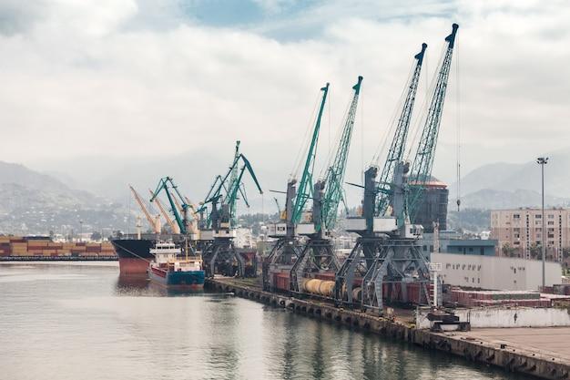 バトゥミの港