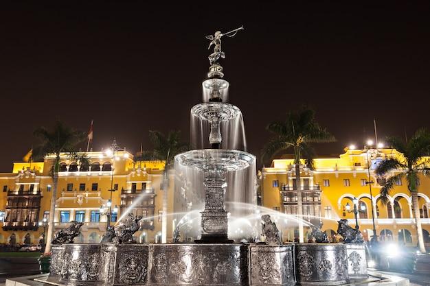 マジョール広場の噴水