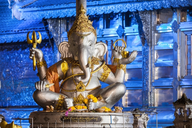 タイのチェンマイのワットスリスパン寺院