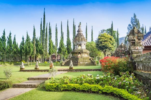 ウルンダヌ寺院