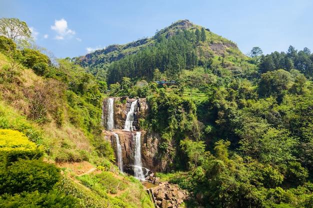スリランカのランボーダ滝。