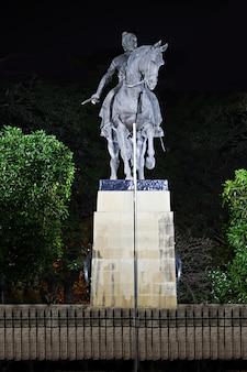 チャトラパティ・シヴァージー像