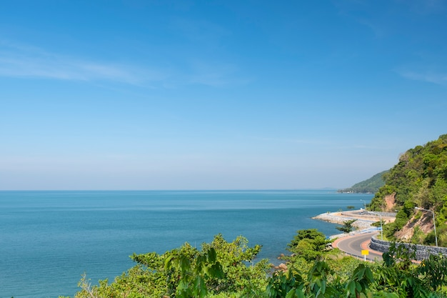 タイの海岸沿いの美しい景色のルート