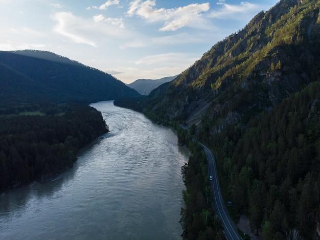 Аэрофотоснимок реки катунь