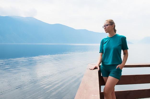 アルタイ山脈のテレツコイェ湖