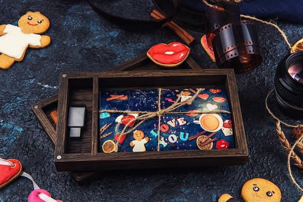 バレンタインや結婚式の日の写真付き木製フォトボックス