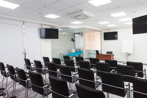 Пустой интерьер классной комнаты
