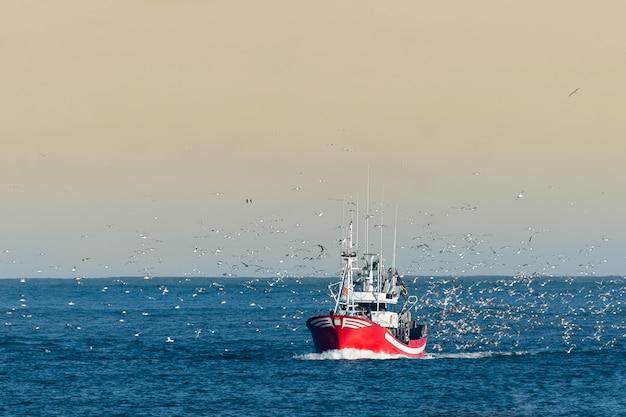Рыболовная лодка