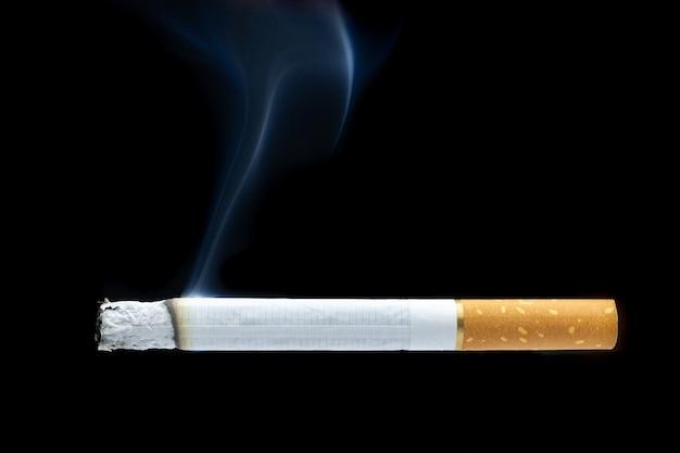 たばこの煙たばこの吸い殻