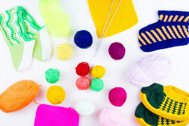 ボールで針を編む