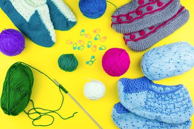 靴下編み針を編む