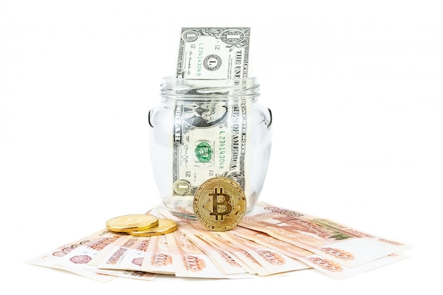 Доллар и биткойн на белом фоне