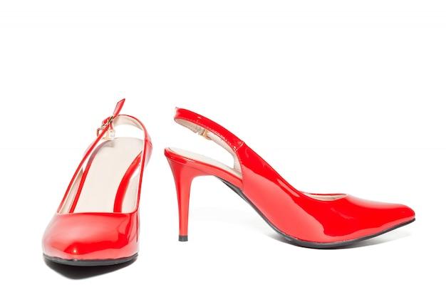 女性の赤いハイヒールの靴