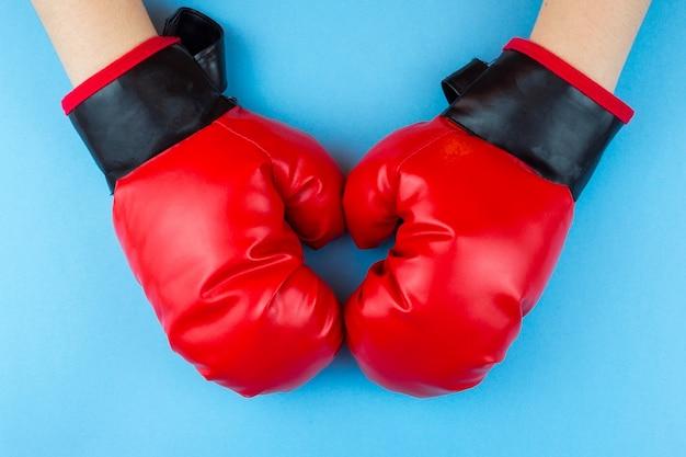 ボクシンググローブと足
