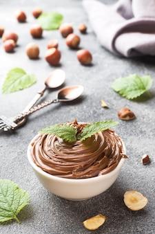 ヌガーナットチョコレートのプレート