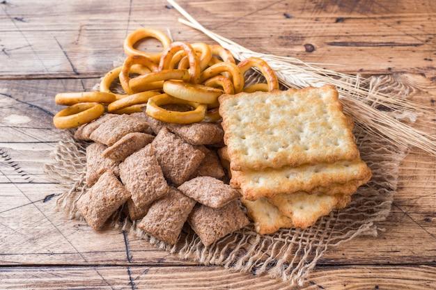 穀物菓子、マシュマロ乾燥クッキーの品揃え