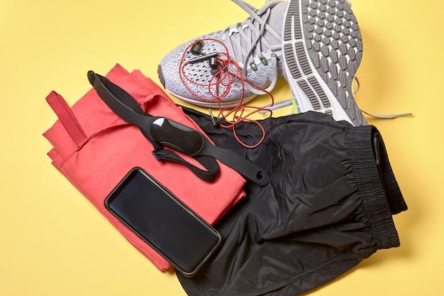 Обувь для бега и различные аксессуары