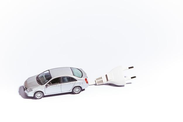 電気プラグ付き車両のミニチュア