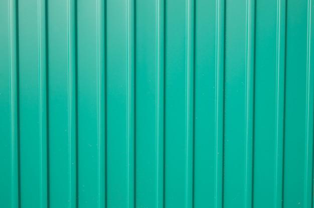 Текстура зеленого металлического сайдинга для отделки снаружи