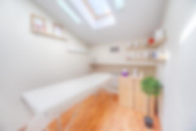 Затуманенное интерьер абстрактного салона красоты комната для процедур