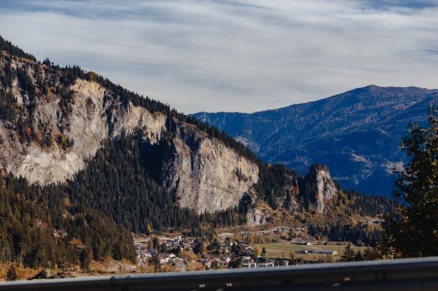 Швейцария, альпийские горы, солнечный, летний пейзаж, голубое небо