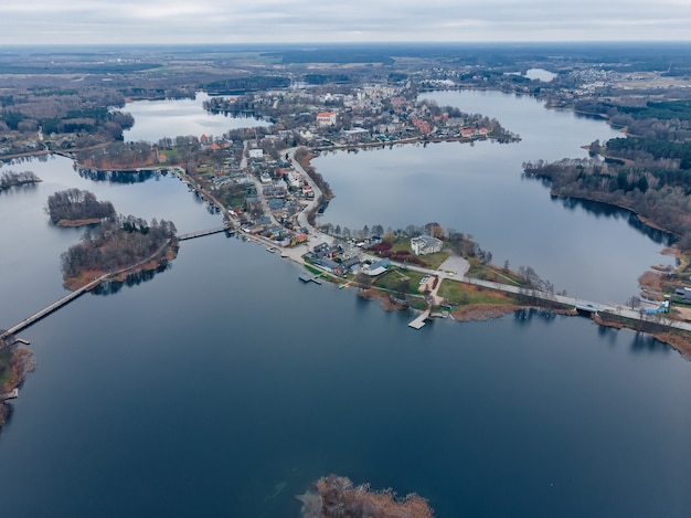 Тракайское озеро и город, вид сверху
