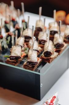 カナッペや美味しいお食事をご用意した美味しいお祝いビュッフェ