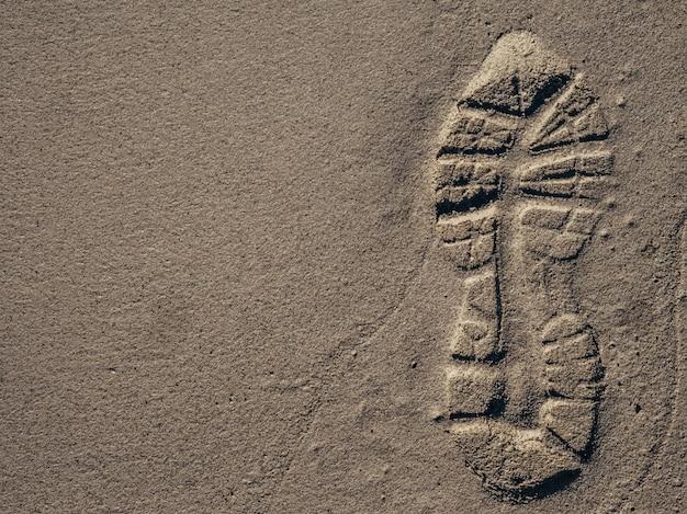 砂に残った足跡