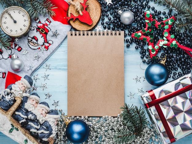 Веселого рождества и счастливого нового года. красивая пустая карточка
