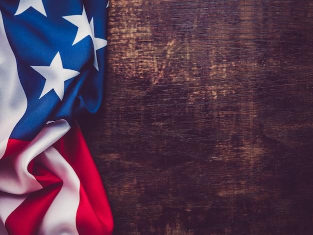 Американский флаг. красивая, яркая открытка. вид сверху