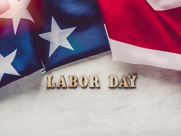 労働者の日おめでとうと美しいカード