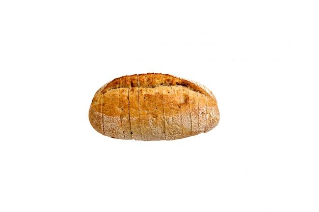 Хлеб нарезанный на белом фоне