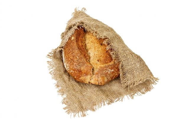 Аппетитный черный хлеб