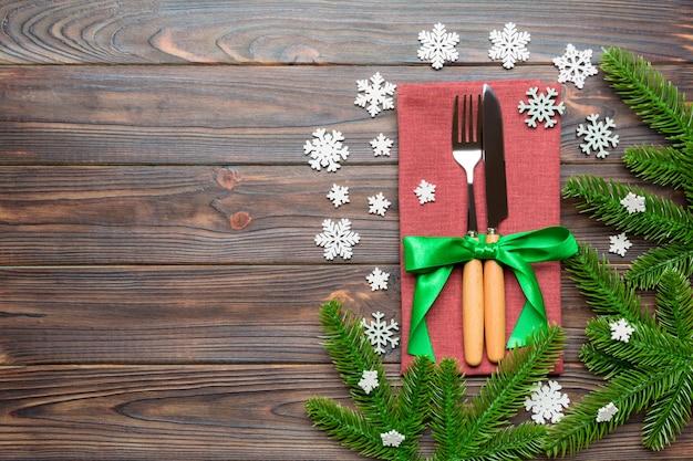 お祝いカトラリークリスマス木材のトップビュー
