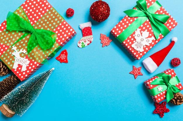 お祝いデコレーションでクリスマスの背景